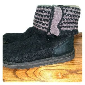 UGGS cable knit sweater boots
